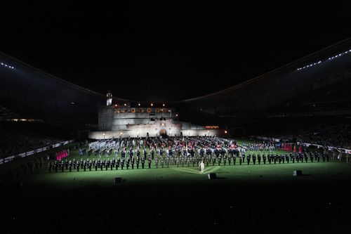 EMT Finale - the Cast of the Edinburgh Military Tattoo in Australia